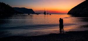 Playa de las Benirrás alquiler coche Ibiza