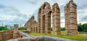 Qué ver en Extremadura | Acueducto de los milagros