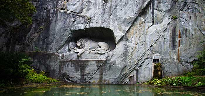 Qué ver en Suiza   Monumento al león de Lucerna