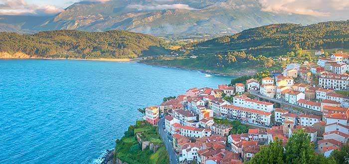 Los 10 Pueblos más bonnitos de España | Lastres (Asturias)