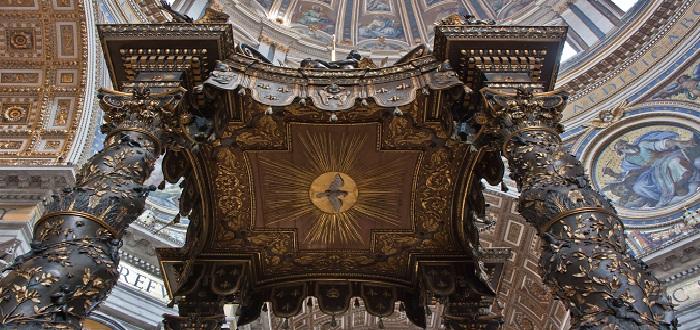 Qué ver en El Vaticano | Baldaquino de San pedro