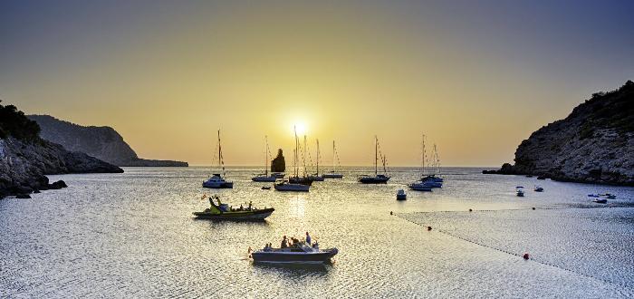 Qué ver en Ibiza | Cala Benirrás