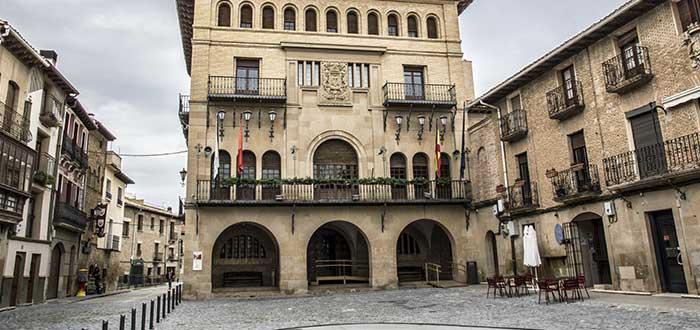 Qué ver en Olite | Plaza del Ayuntamiento