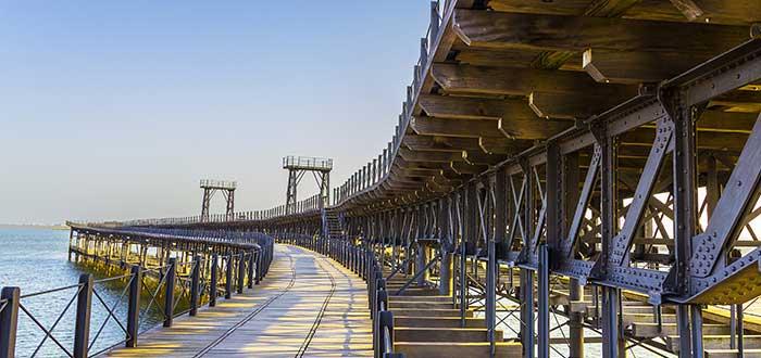 Qué ver en Huelva   Muelle de mineral de la compañía Riotinto