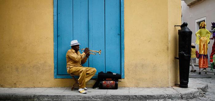 Viajar a Cuba: descubre sus costumbres y tradiciones 2
