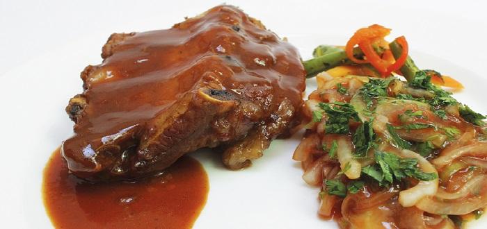 Comida típica de Estados Unidos | Costillas de cerdo en salsa barbacoa