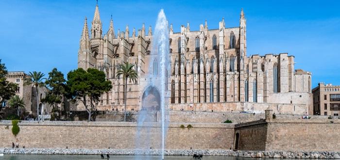 Qué ver en las Islas Baleares   catedral basilica de santa maria de mallorca