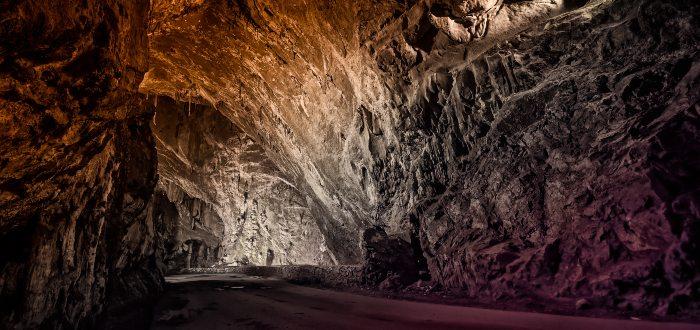 Qué ver en Ribadesella, La Cuevona de Cuevas del Agua