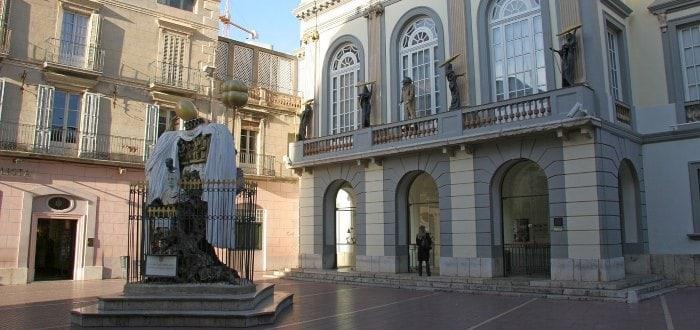 Plaza Gala y Dalí.