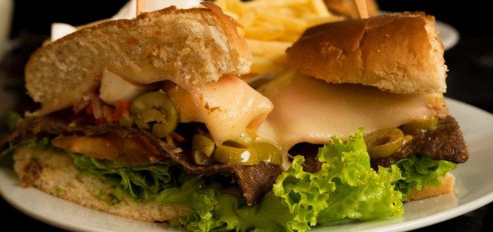 Comida uruguaya: Chivito