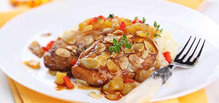 Comida típica de Marruecos | Pollo con almendras