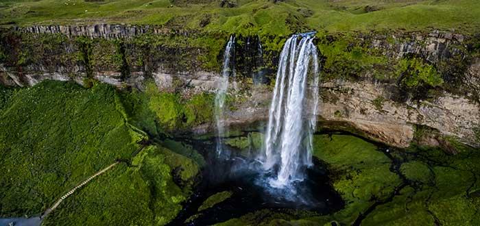 Qué ver en Islandia | Seljalandsfoss