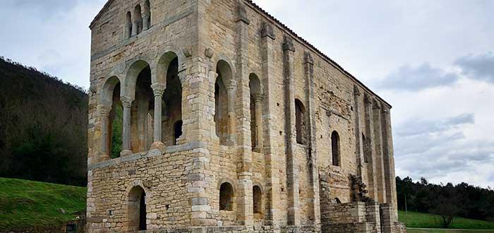 Qué ver en Oviedo | Iglesia de Santa María del Naranco