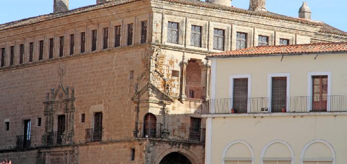 Qué ver en Trujillo | Palacio de San Carlos