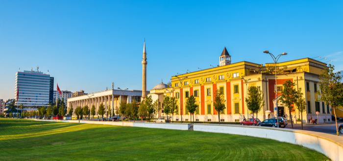 10 Ciudades de Albania. Tirana