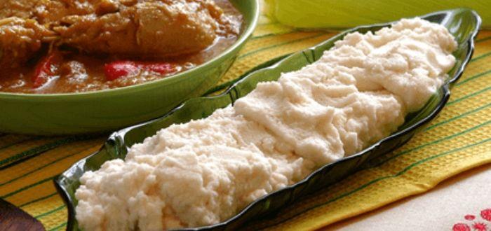 Comida típica de Angola. Funge
