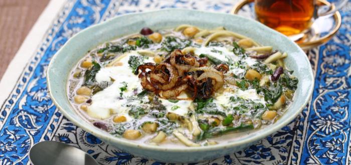 Comida típica de Irán. Ash Reshteh