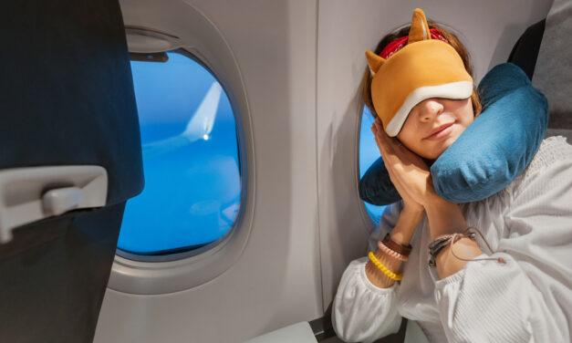 Escoger un cojín de viaje para un vuelo largo