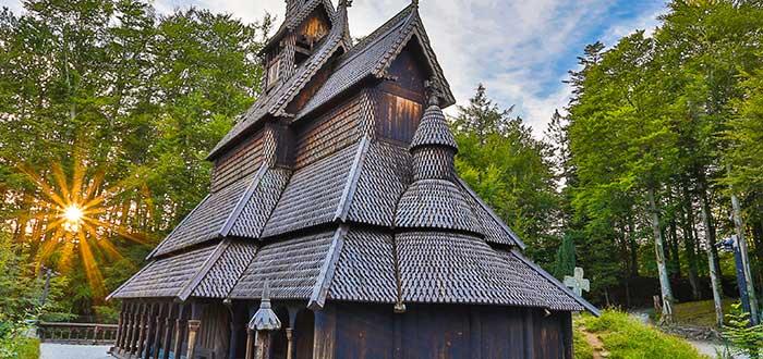 Qué ver en Bergen | Iglesia de madera de Fantoft
