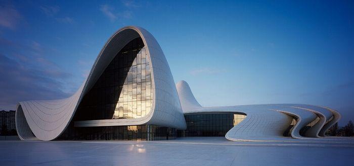 Qué ver en Azerbaiyán. Centro Heydar Aliyev