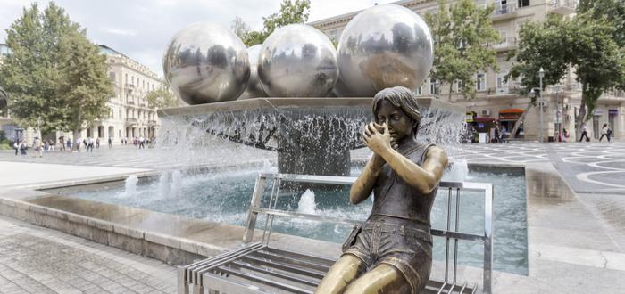 Qué ver en Azerbaiyán. Plaza de las Fuentes
