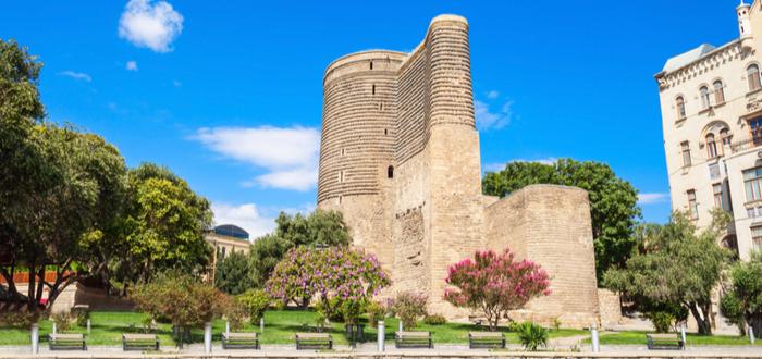 Qué ver en Azerbaiyán. Torre de la doncella