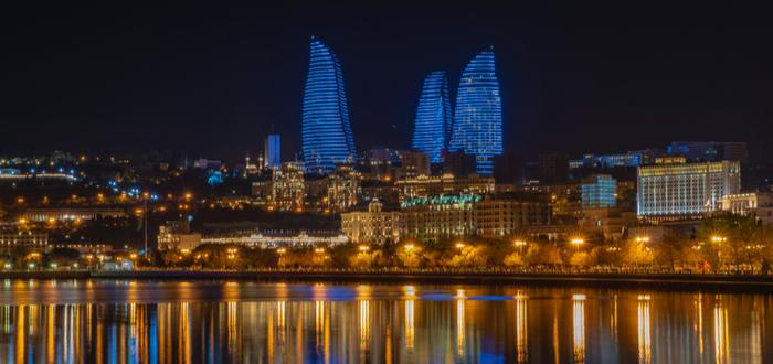 Qué ver en Azerbaiyán. Torres Flame