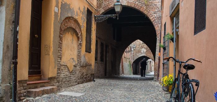 Qué ver en Ferrara   Calle Volta