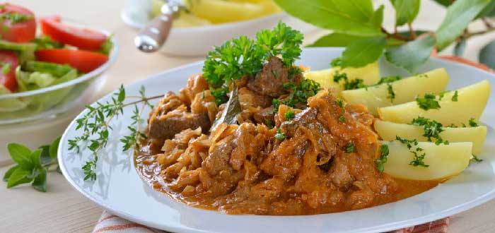 Comida típica de Hungría: Pörkölt