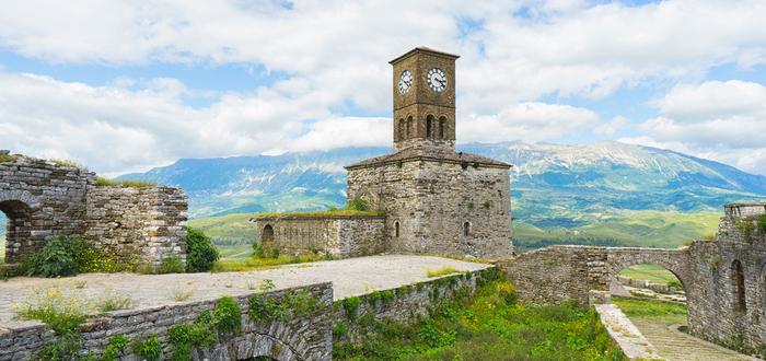 Qué ver en Albania, Castillo de Gjirokastra