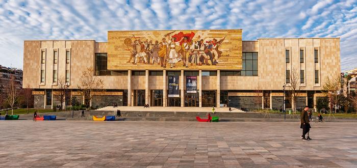 Qué ver en Albania, Museo Histórico Nacional