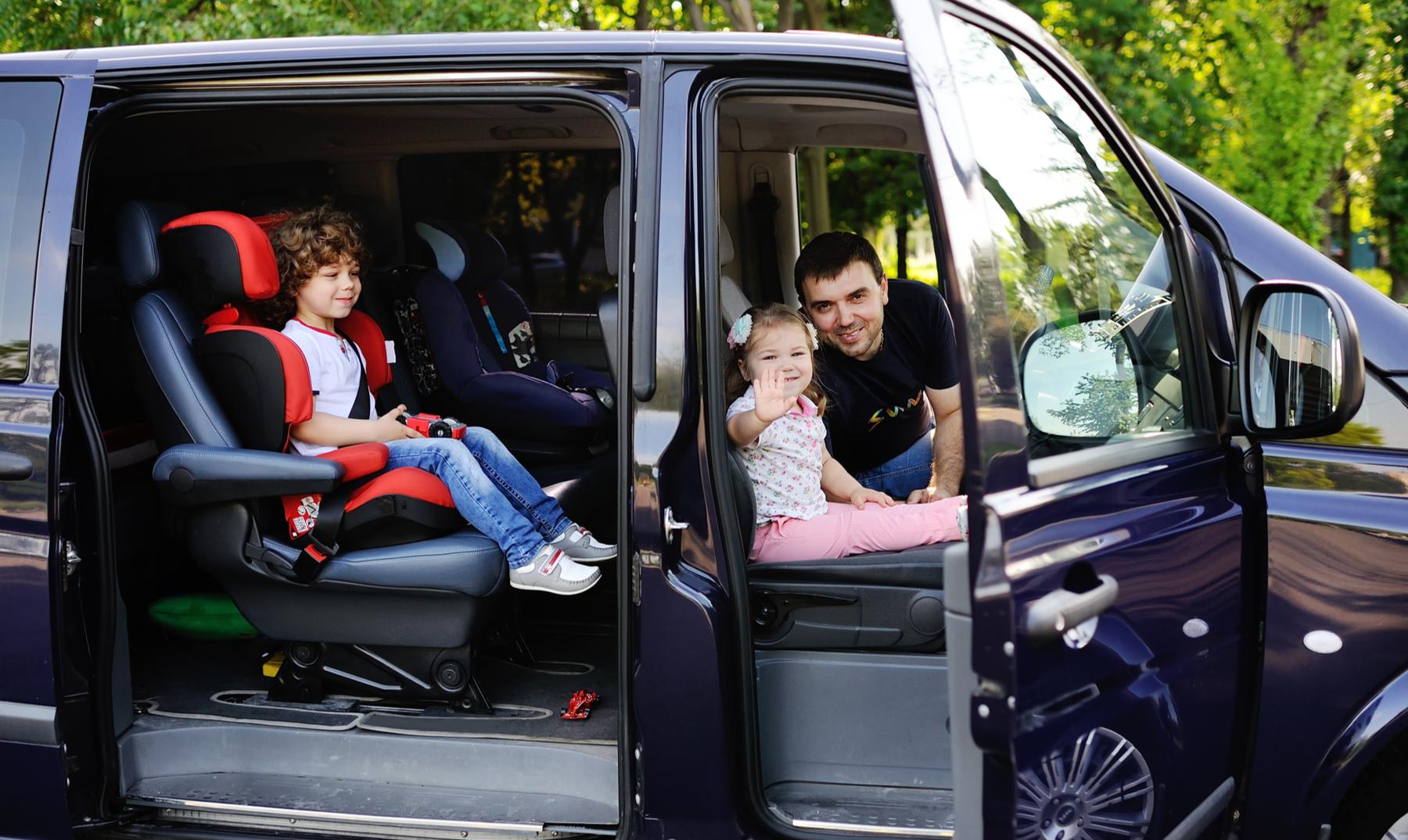 Cómo ahorrar al alquilar una minivan 1