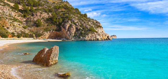 Las mejores playas de España para visitar. Cala Granadella, en la Comunidad Valenciana.