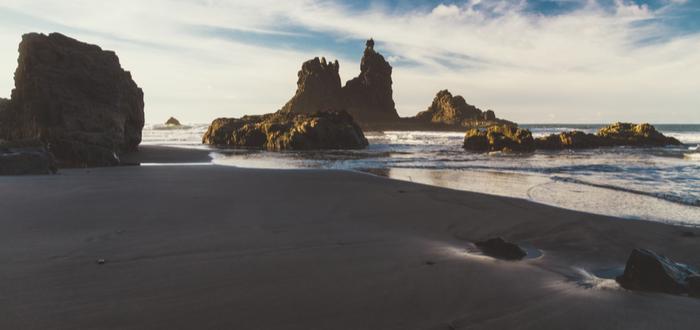 Las mejores playas de España para visitar. Playa de Benijo, en las Islas Canarias