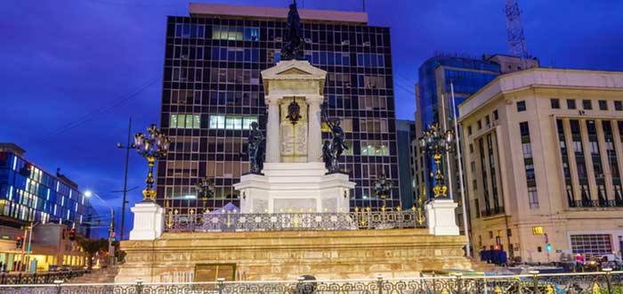 Qué ver en Valparaíso | Plaza Sotomayor