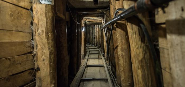Qué ver en Bosnia. Túnel de Sarajevo