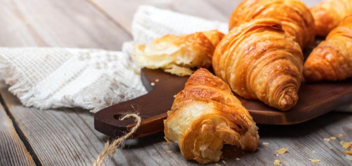 Comida típica de París. Croissant