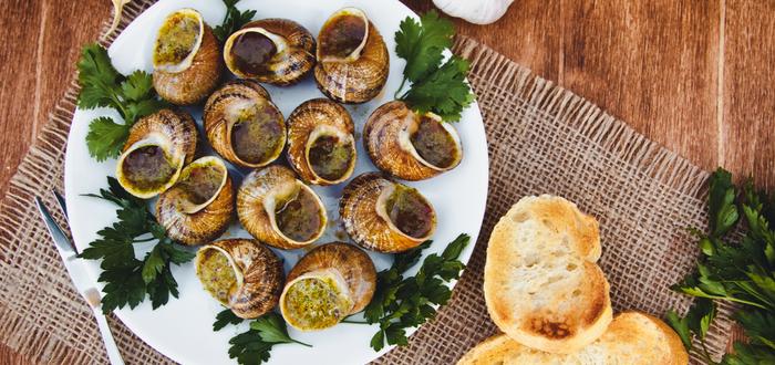 Comida típica de París. Escargots
