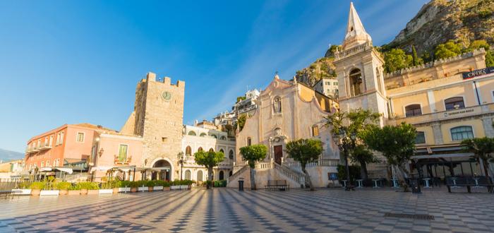 Las 10 plazas de Italia más bonitas. Piazza 9 Aprile (Taormina)