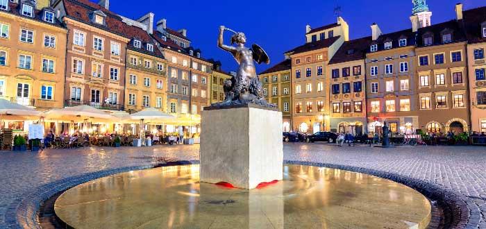 Plaza del Mercado del centro histórico de Varsovia