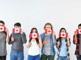 grupo-de-jóvenes-con-bandera-de-canadá