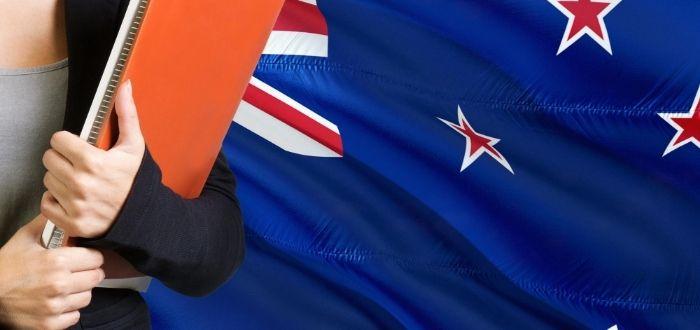Cuaderno y bandera de Nueva Zelanda