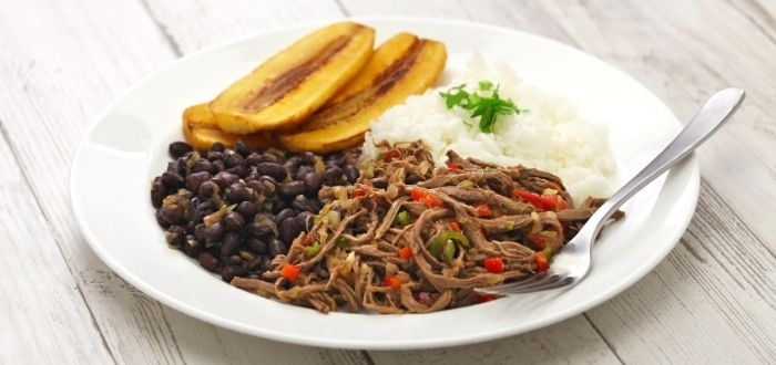 Pabellón criollo, comida típica de Venezuela