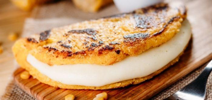 Cachapa con queso de mano
