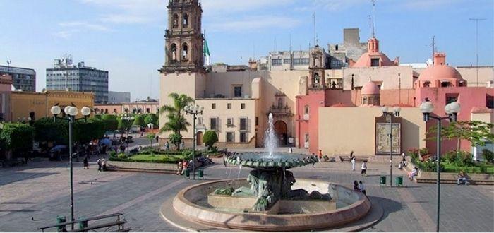 Plaza de los Fundadores Qué ver en León