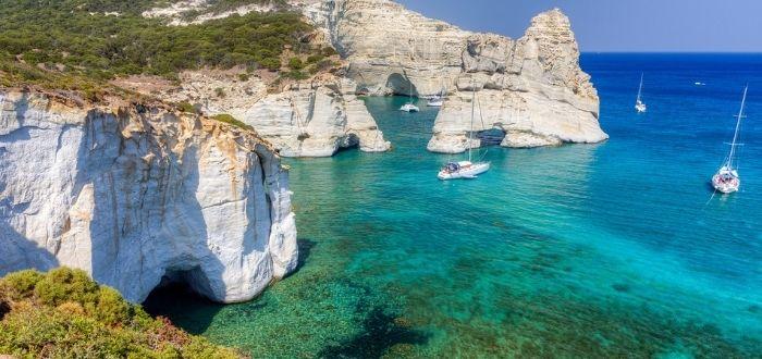 Mejores playas del mundo: Bahía de Kleftiko, Milos, Grecia