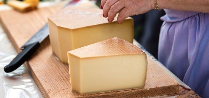 Raclette | Comida típica de Suiza