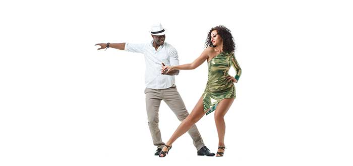 bailarines-de-salsa