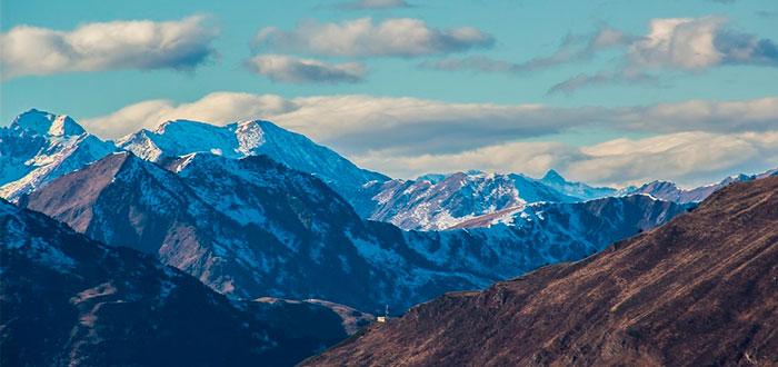 Las 5 mejores montañas para esquiar en España 2