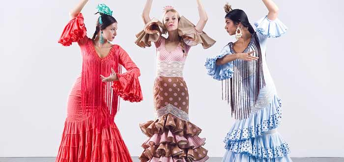 tres-jóvenes-bailando-flamenco